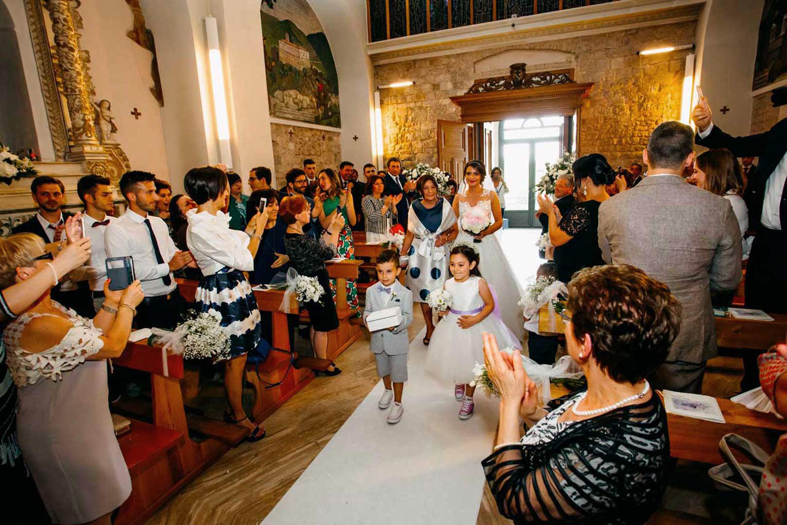 014-arrivo-chiesa-matrimonio-italia-gianni-lepore-fotografo