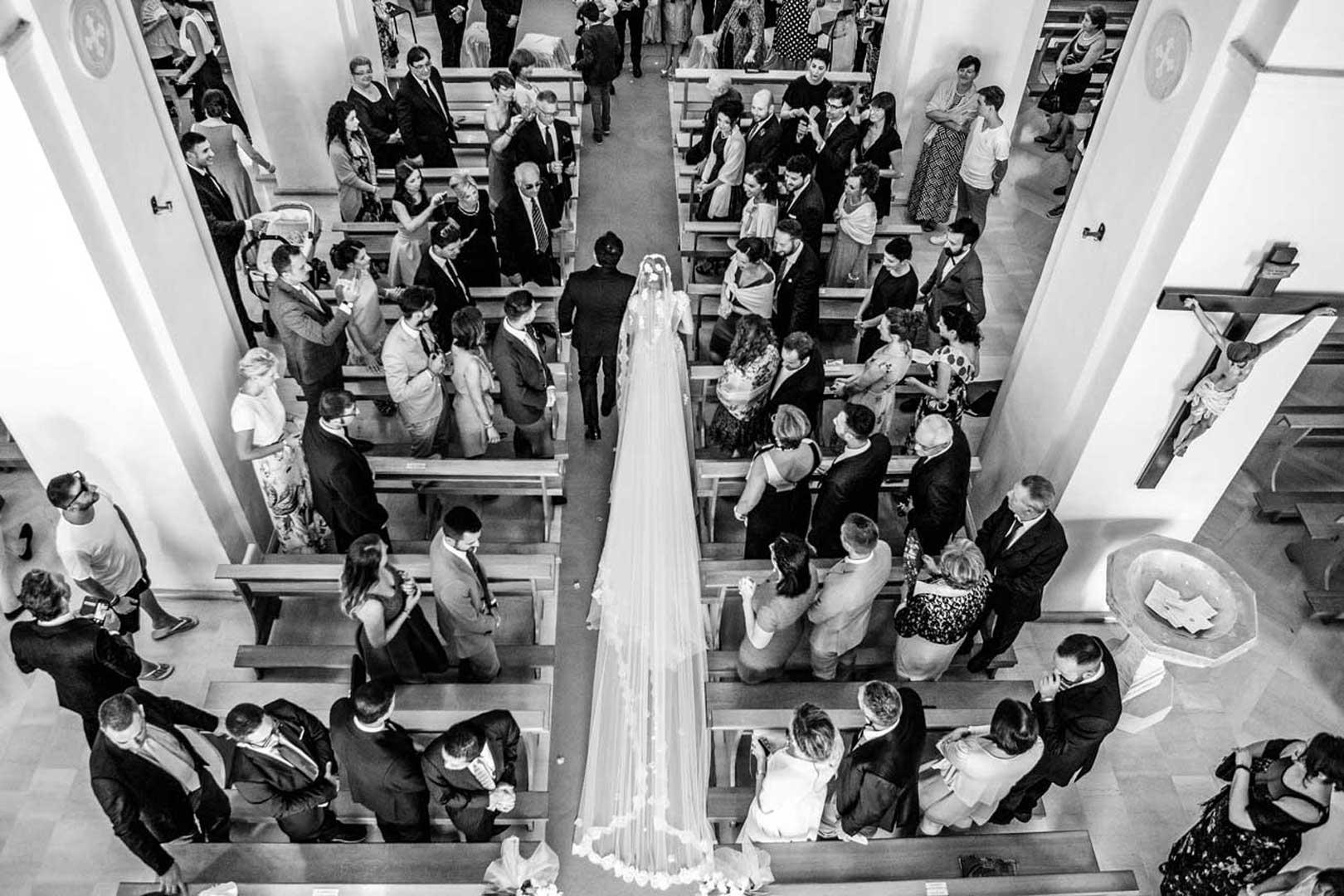 017-ingresso-sposa-gianni-lepore-fotografo-lucera
