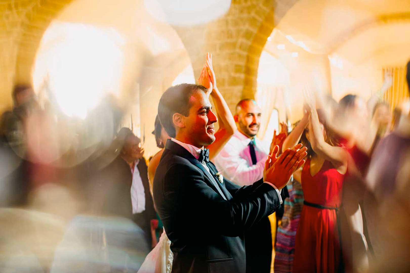 031-sposo-ballerino-matrimonio-gianni-lepore-fotografo