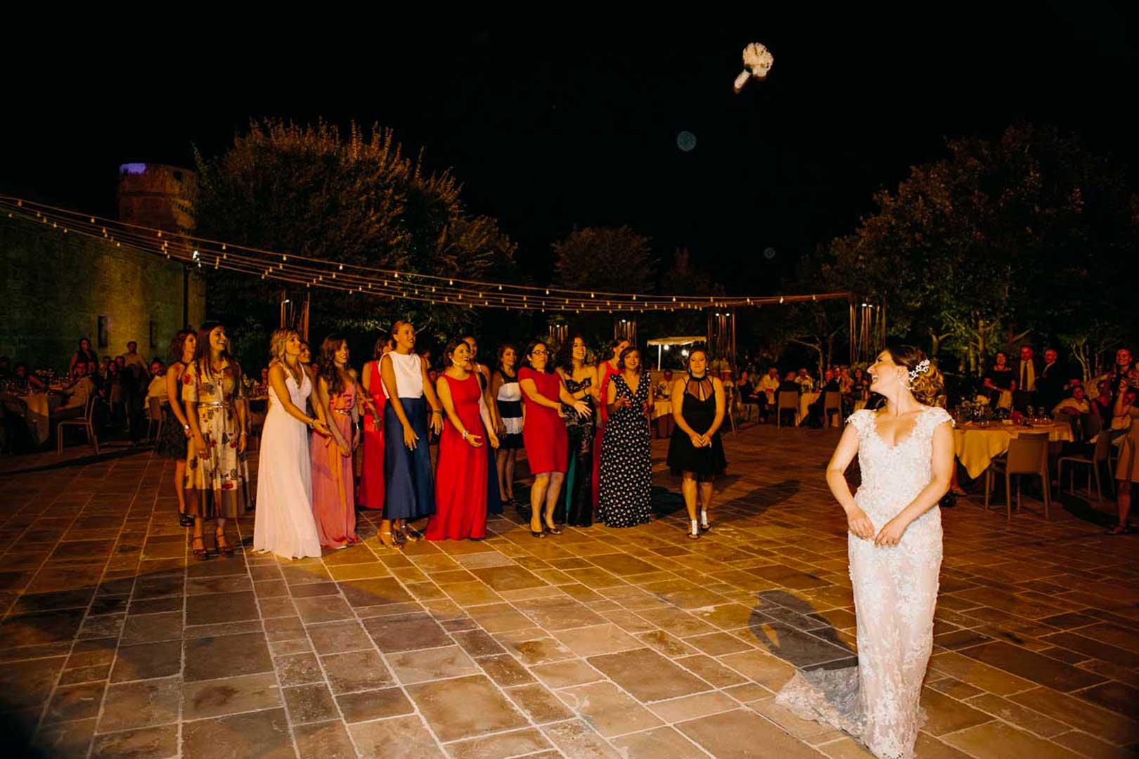 047-lancio-bouquet-luoghi-di-pitti-gianni-lepore-fotografo