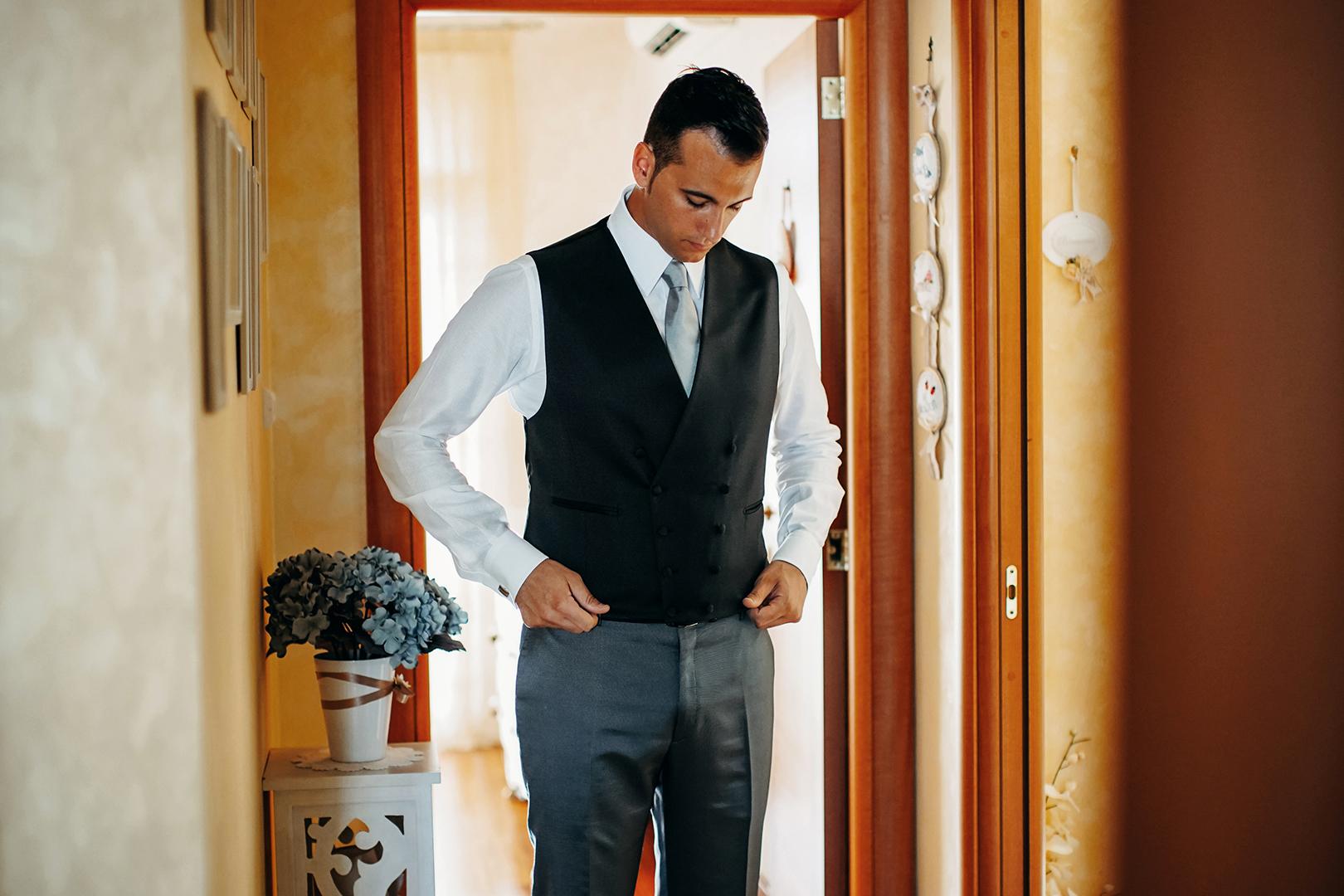 13 gianni-lepore-sposo-groom-abito-casa-lucera-fotografo-wedding-italia