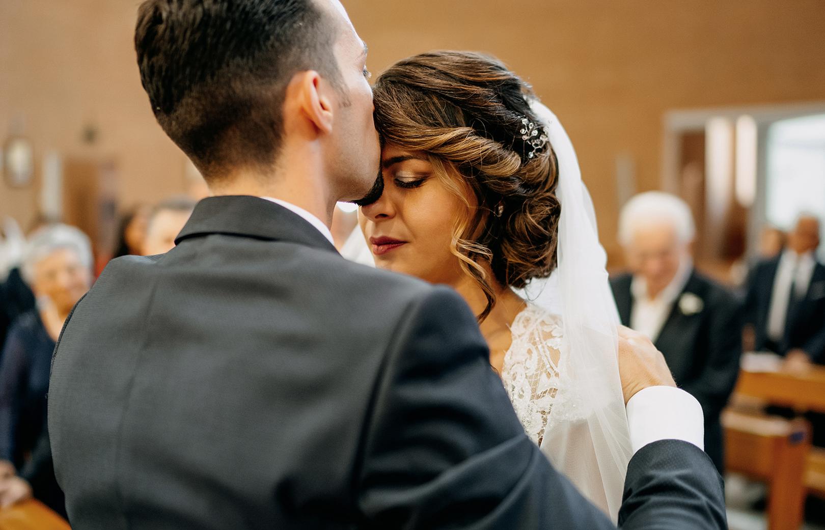 15 gianni-lepore-bacio-sposi