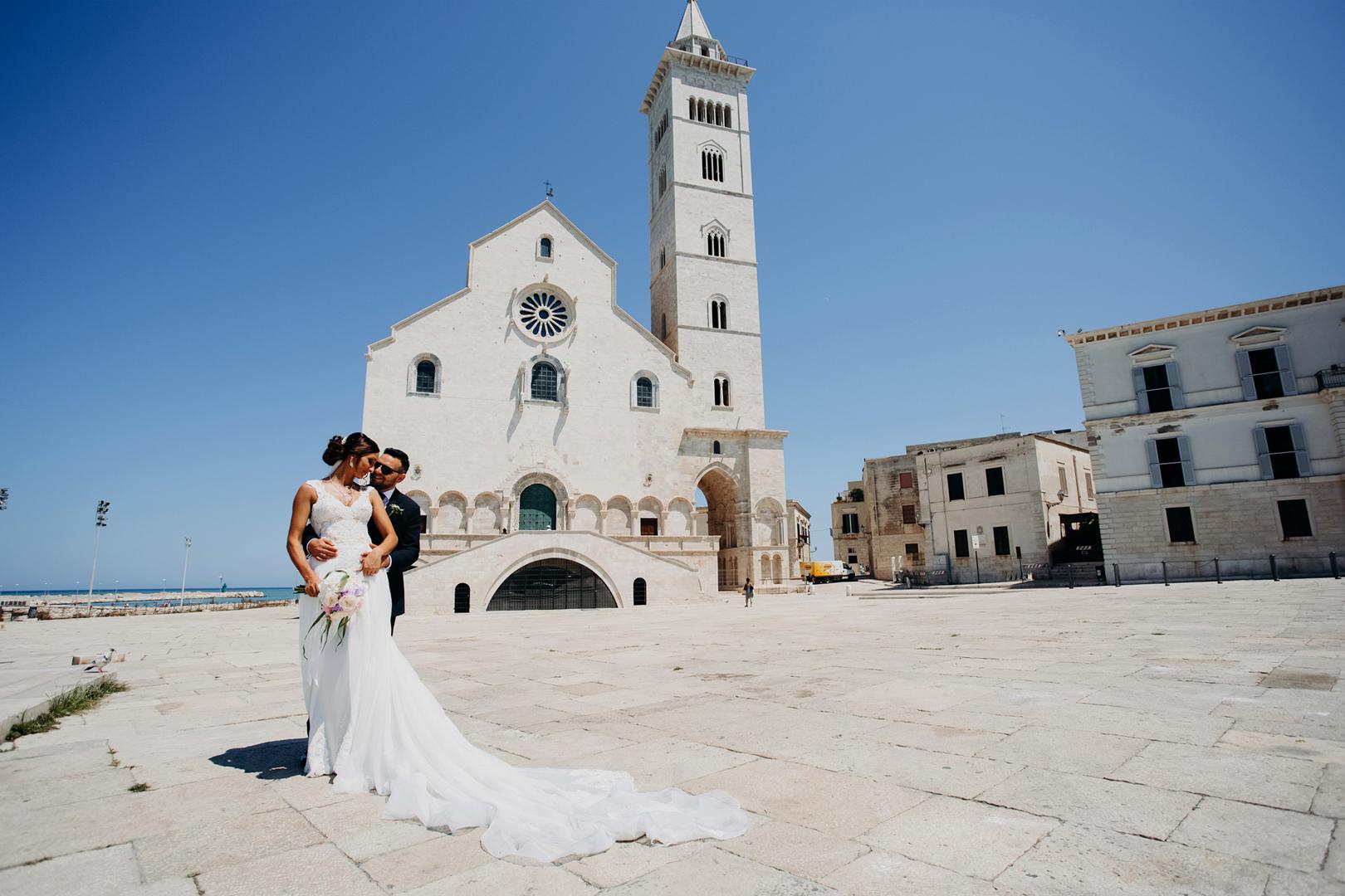 16 gianni-lepore-fotografo-cattedrale-trani-reportage-sposi-groom-bride