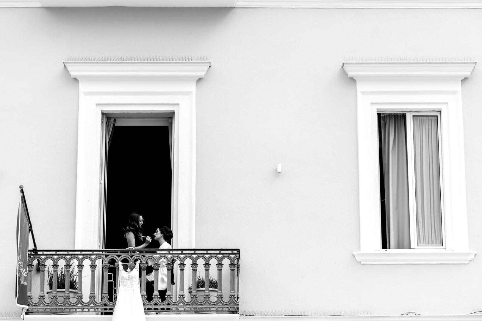 16 gianni-lepore-trucco-sposa-balcone