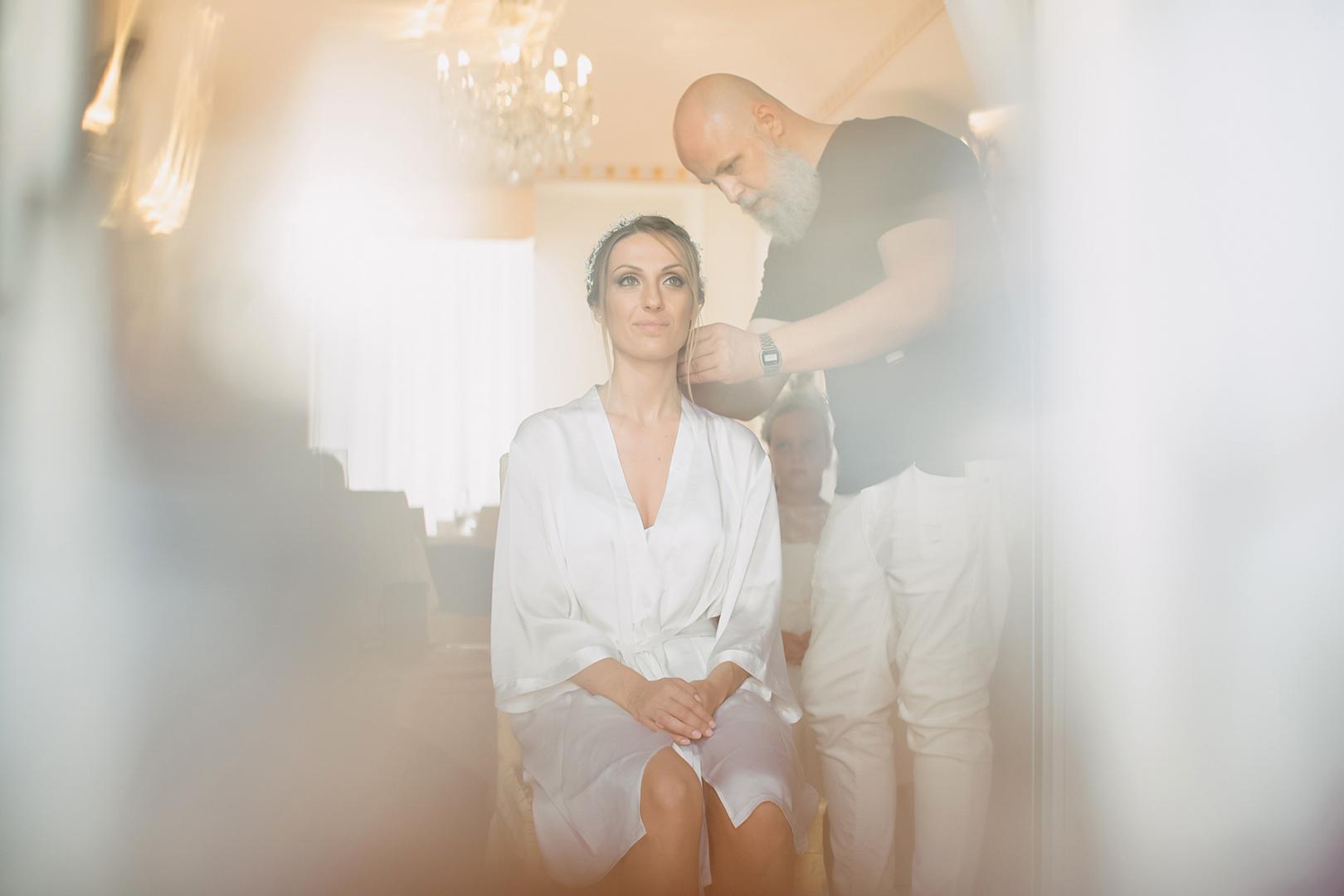19 gianni-lepore-fotografo-sposa-bride-preparativi-silvi-villa-rossi-acconciatura