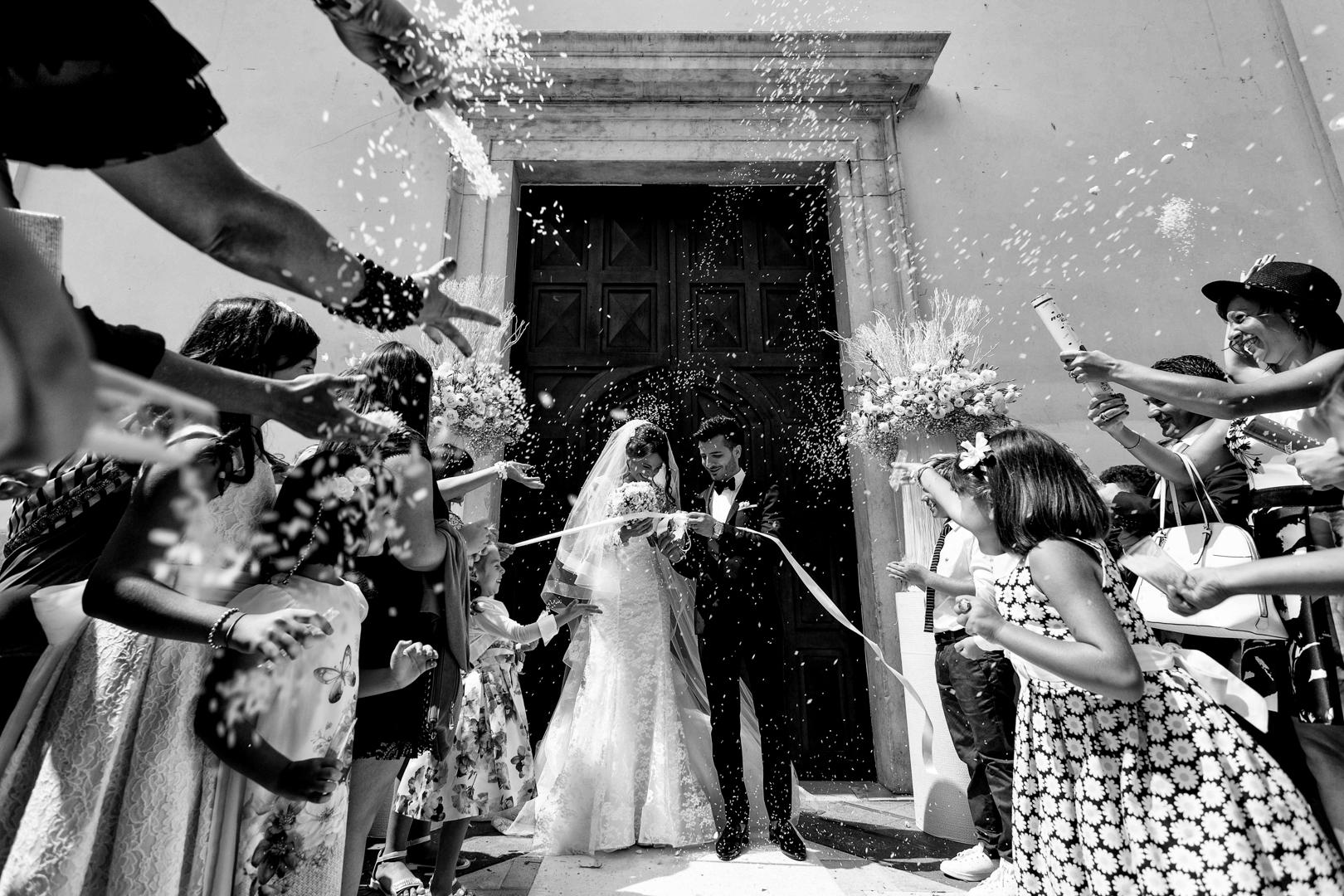 19 gianni-lepore-lancio-riso-sposi