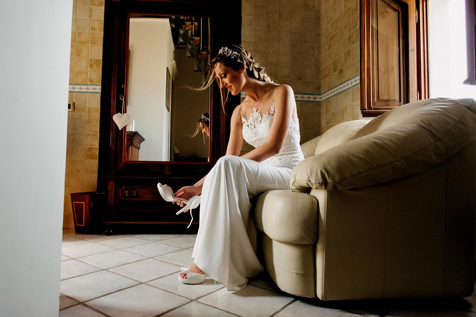 20 gianni-lepore-wedding-matrimonio-fotografo-sposa-bride-villa-rossi-silvi-scarpe