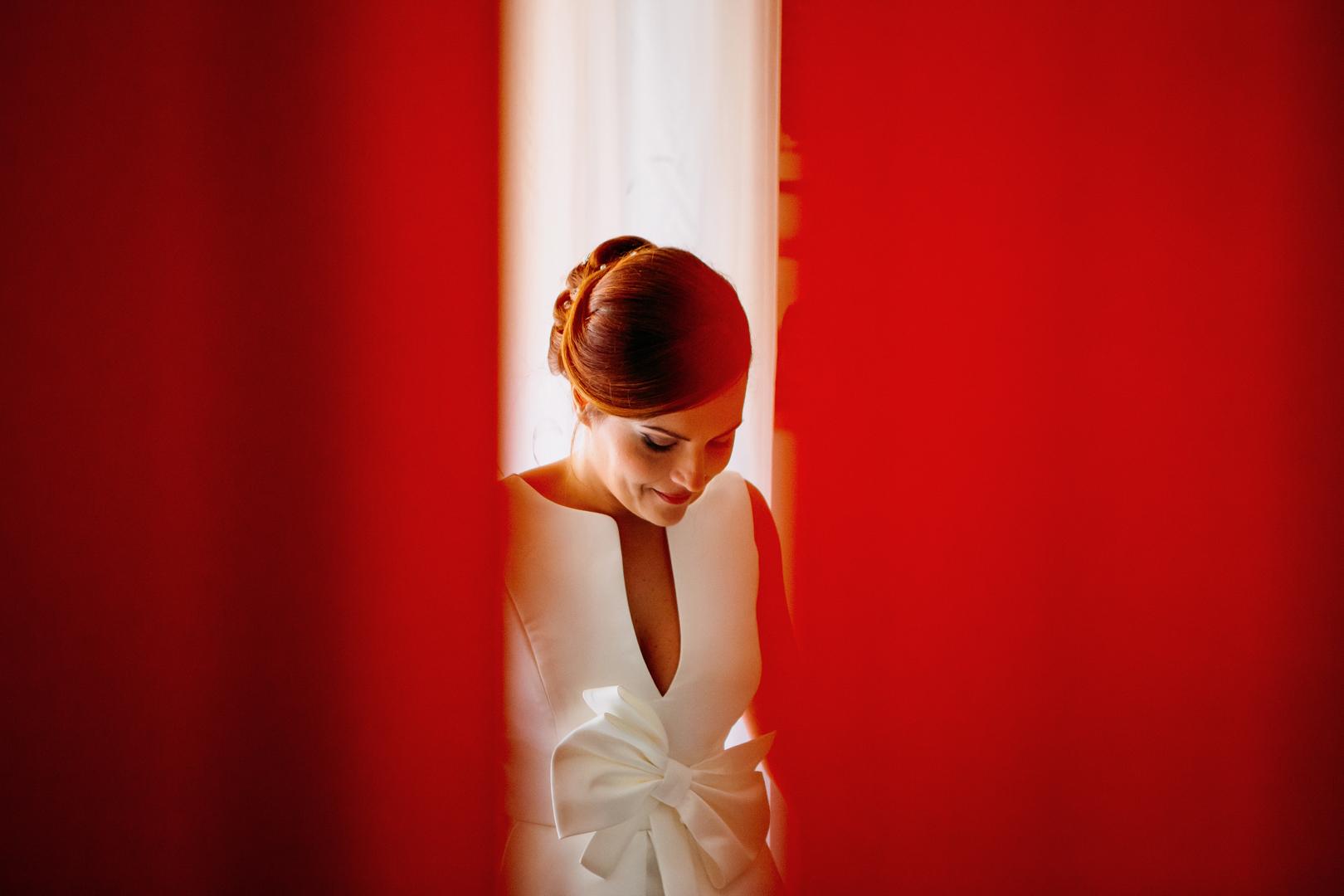 21 gianni-lepore-bride-rossa-ritratto