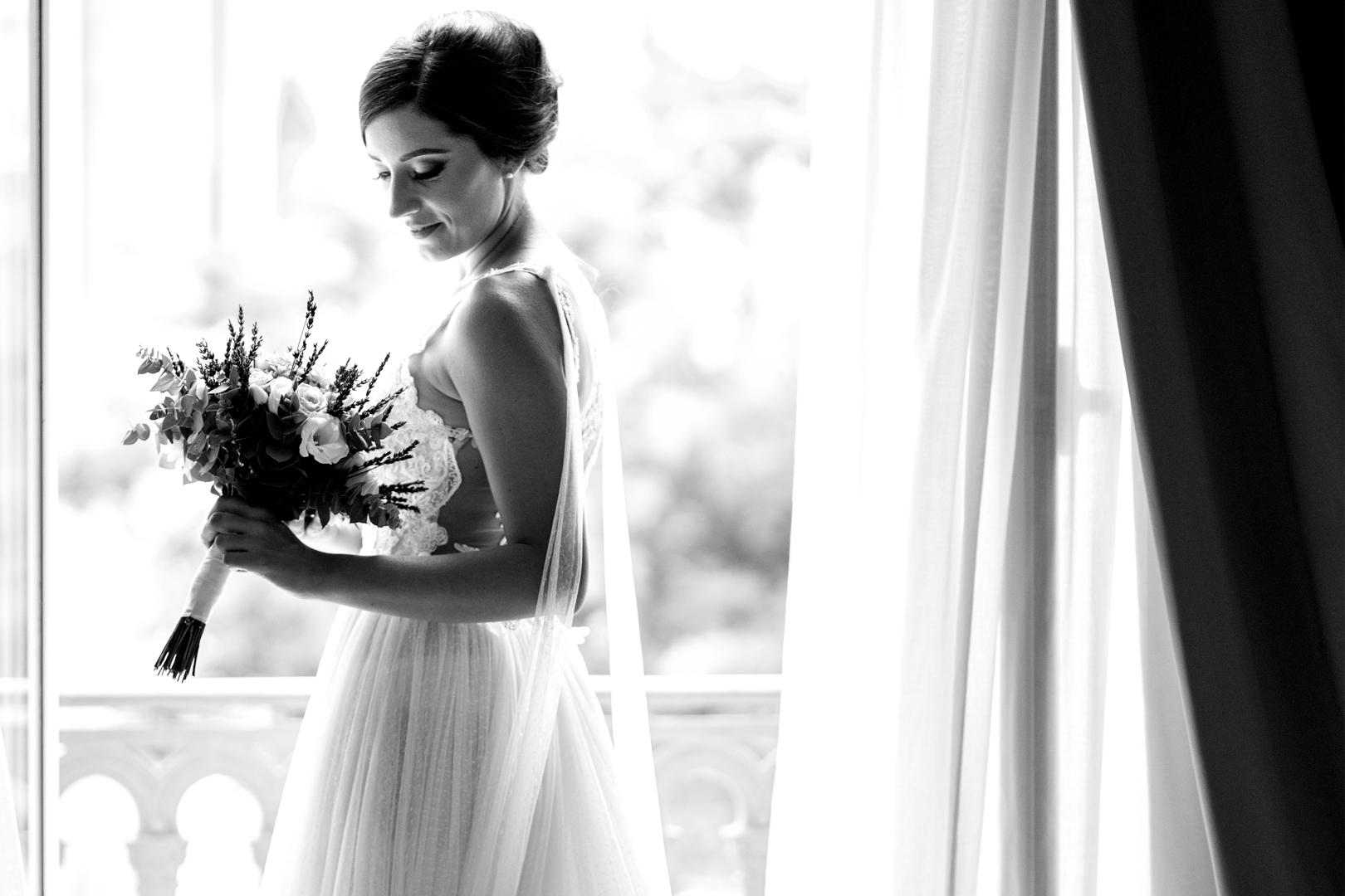21 gianni-lepore-sposa-bouquet-ritratto-bride