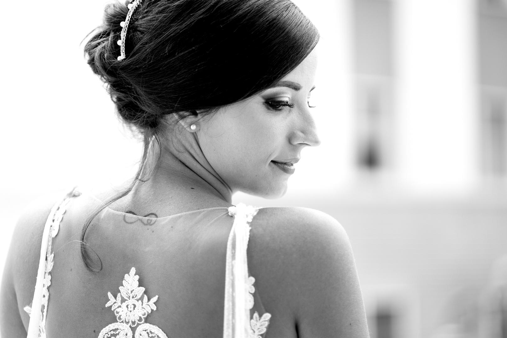 21 gianni-lepore-sposa-dietro-particolare-vestito