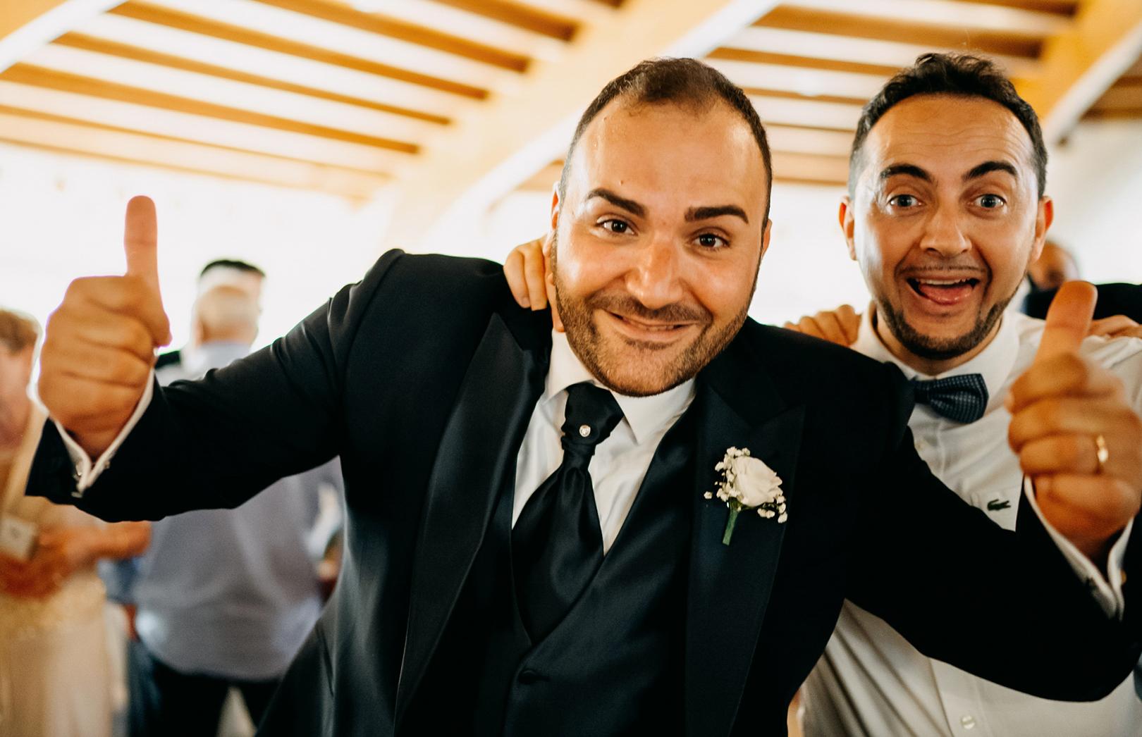 25 gianni-lepore-sposo-amici-festa