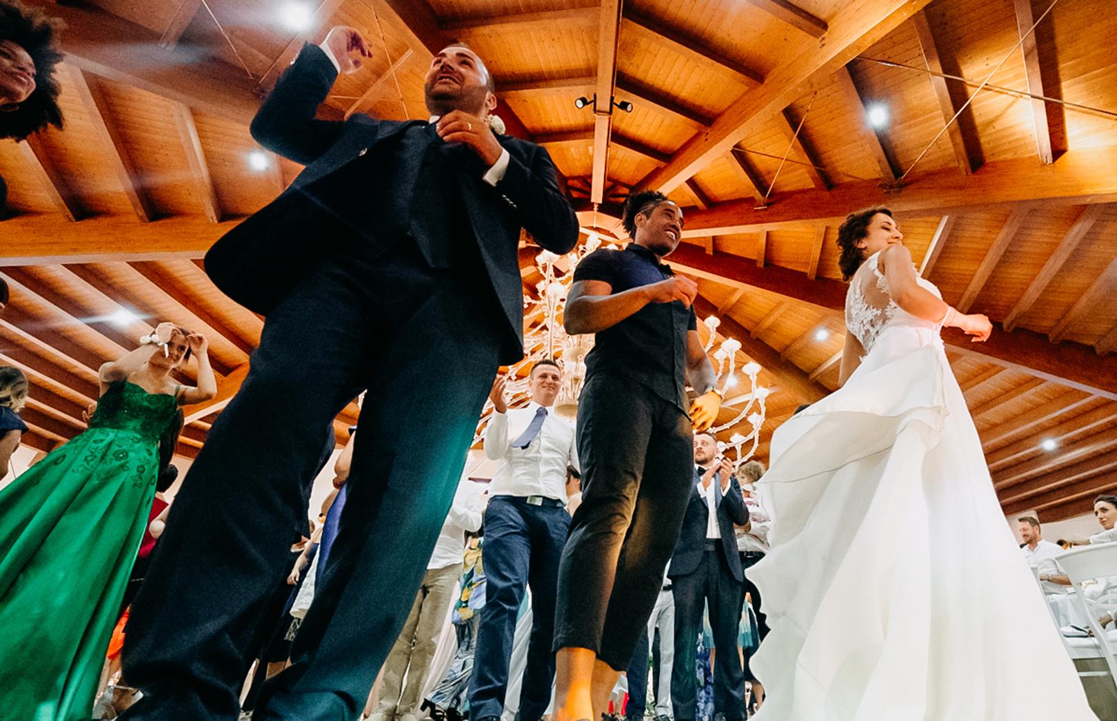 27 gianni-lepore-balli-festa-matrimonio