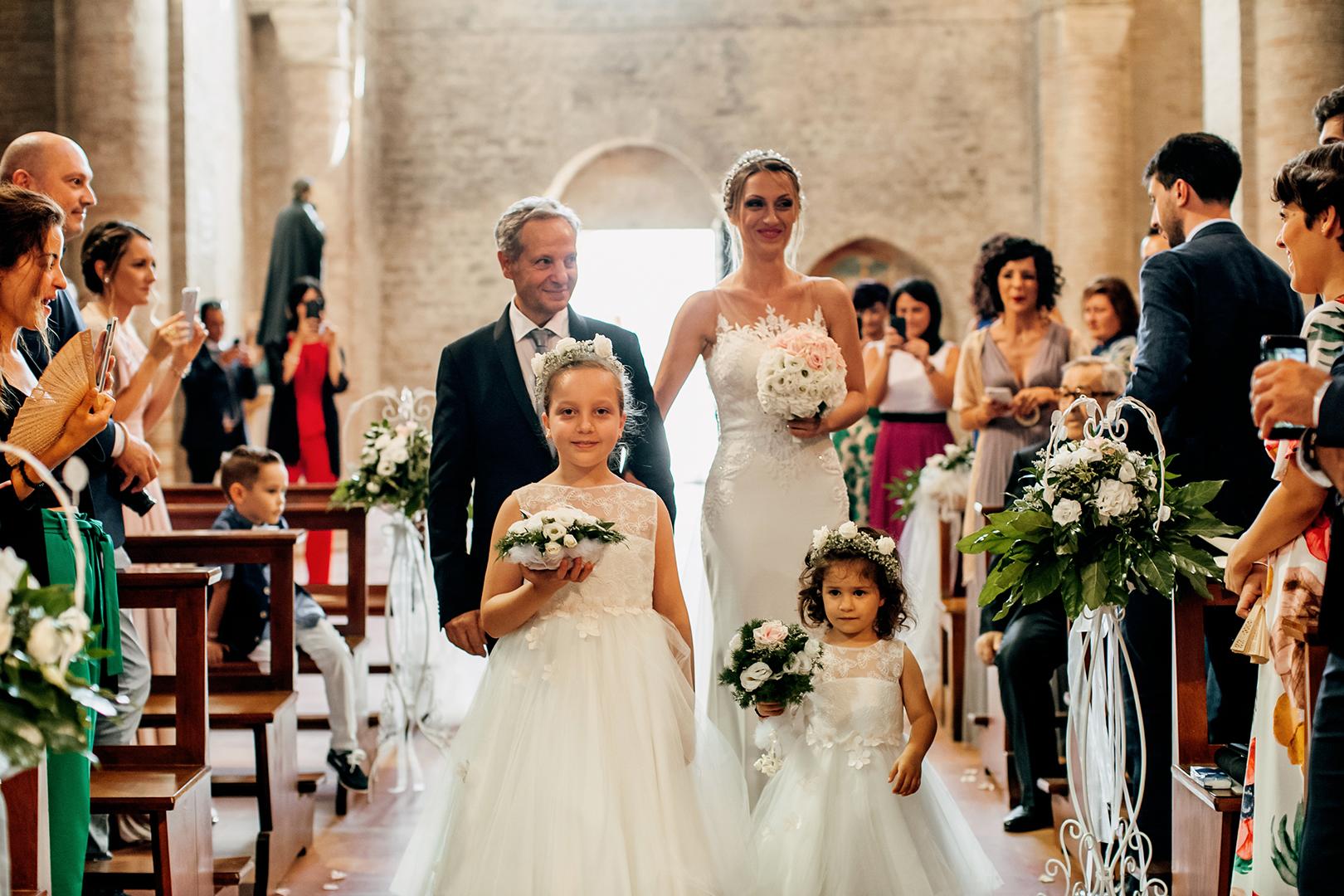 27 gianni-lepore-fotografo-matrimonio-sposa-bride-papà-entrata-chiesa-silvi