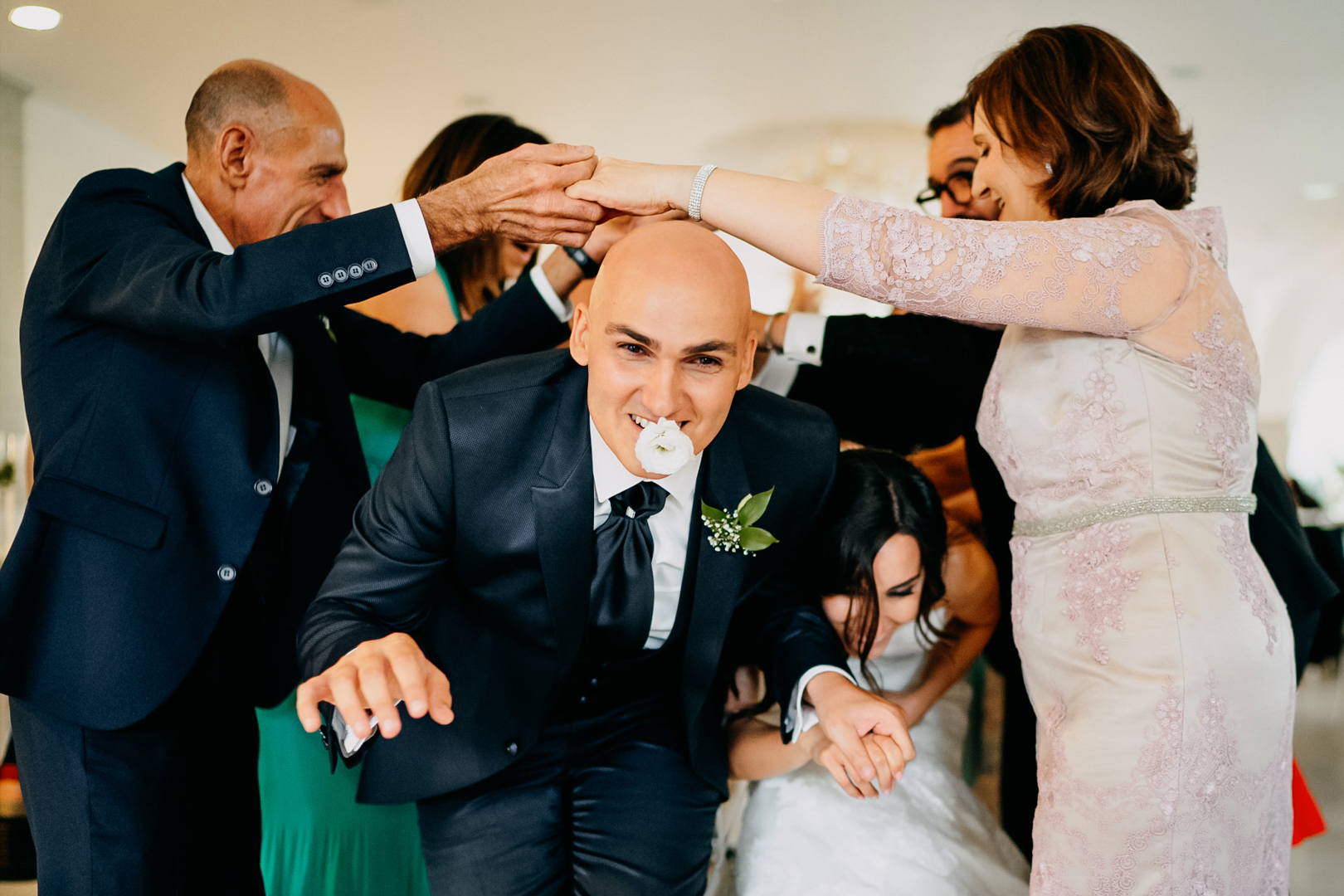 28 gianni-lepore-sposo-balli-amici