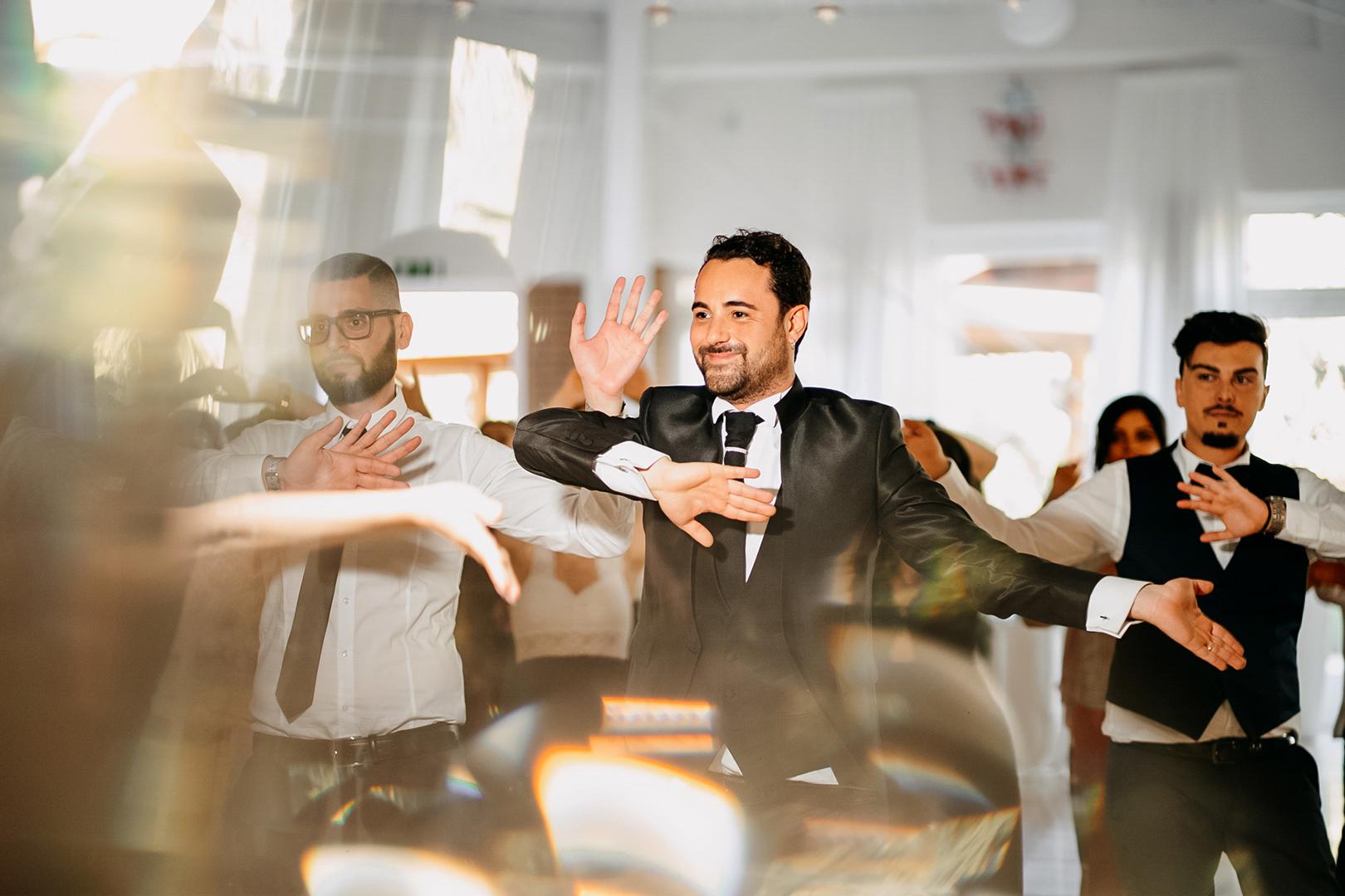 28 gianni-lepore-sposo-balli