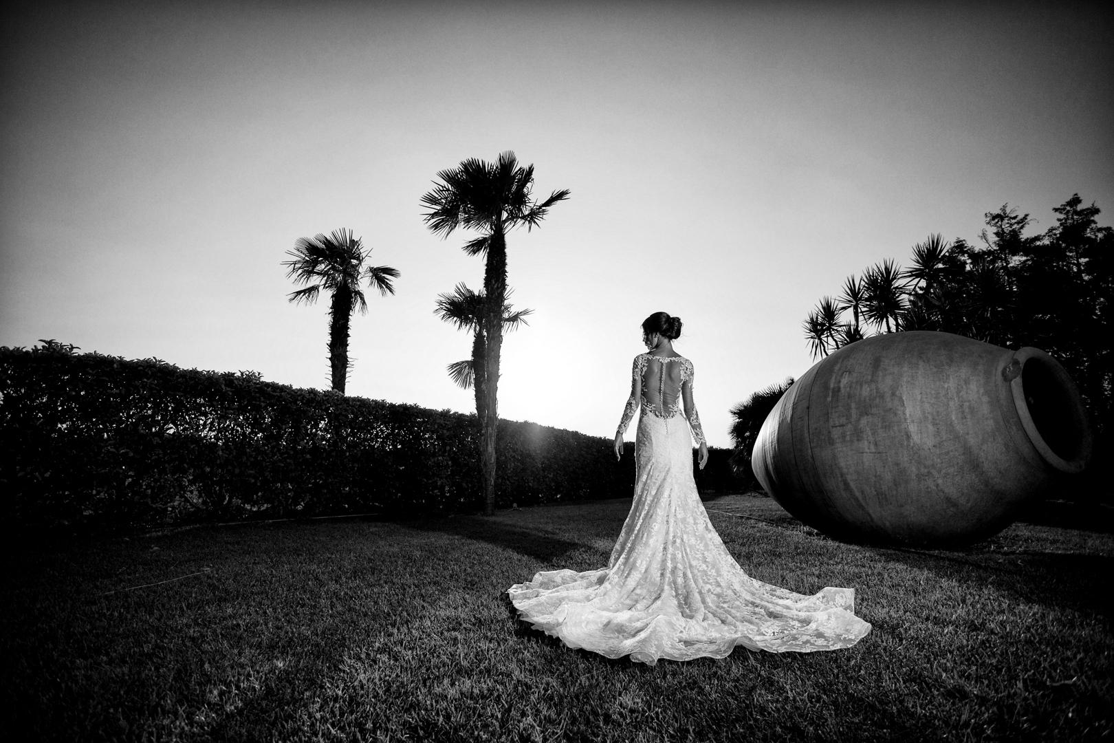 28 gianni-lepore-wedding-villa-demetra-foggia-sposa-dietro