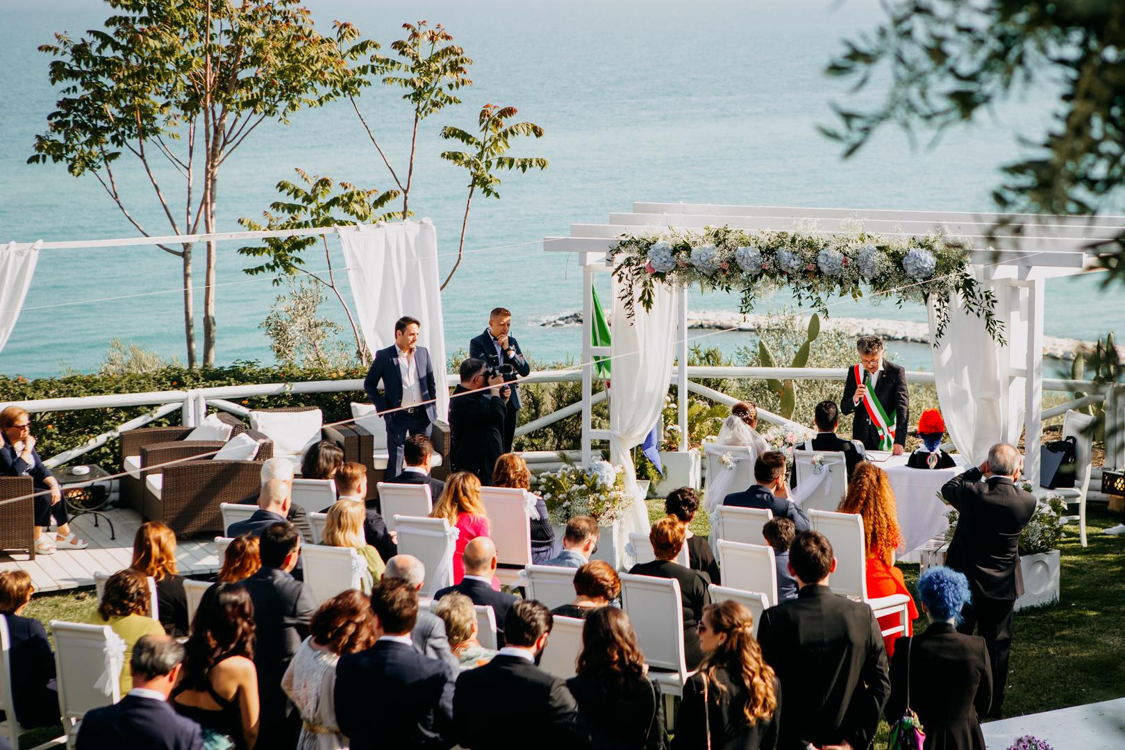 31 cerimonia-all'aperto-matrimonio-mare-gargano-vieste-peschici-gianni-lepore