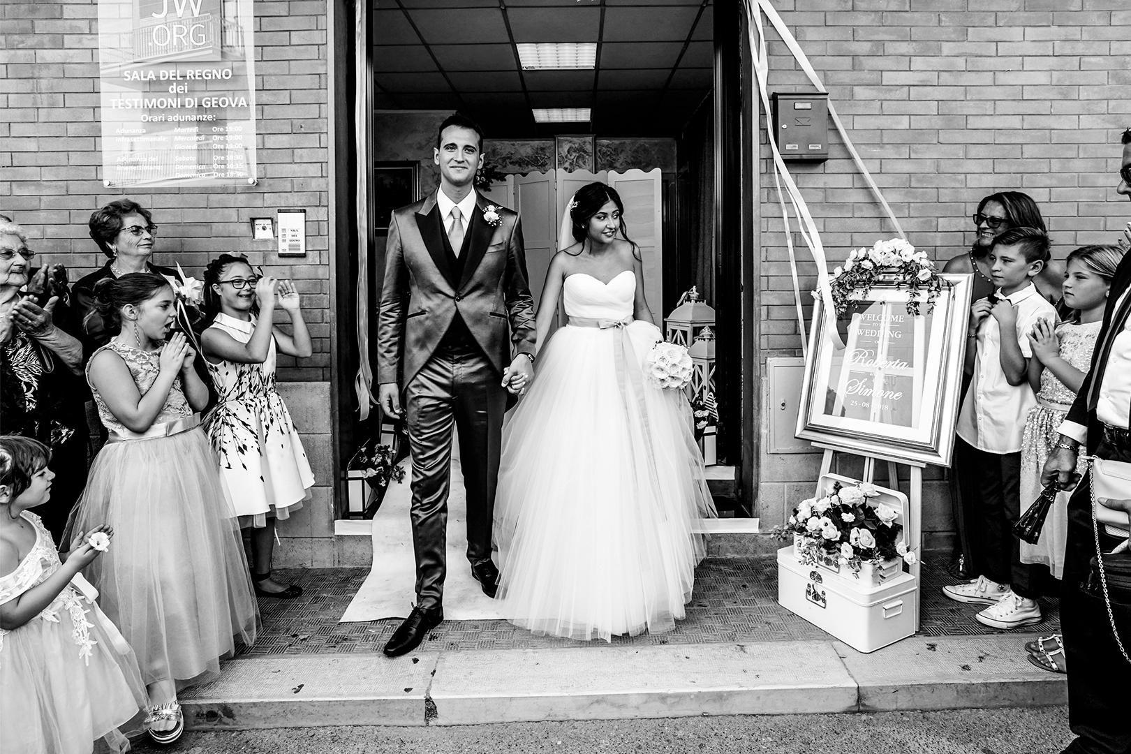 32 gianni-lepore-uscita-sala-regno-lucera-sposi-bride-groom
