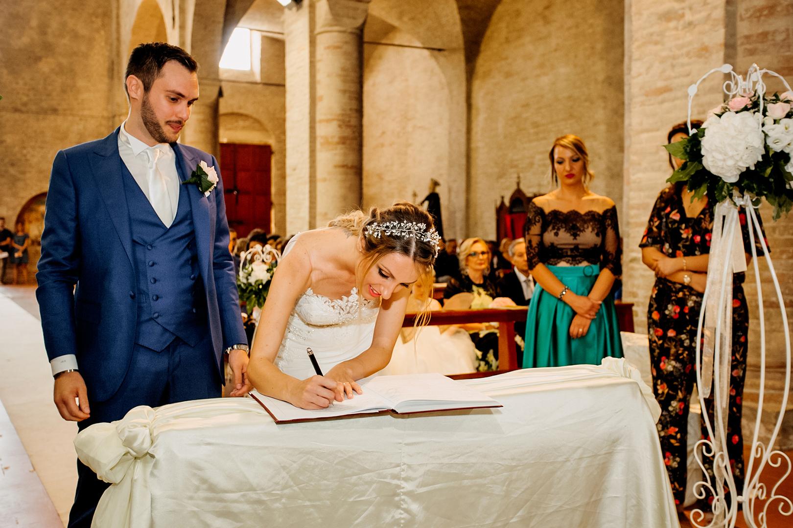 35 gianni-lepore-fotografo-sposi-firme-bride-chiesa