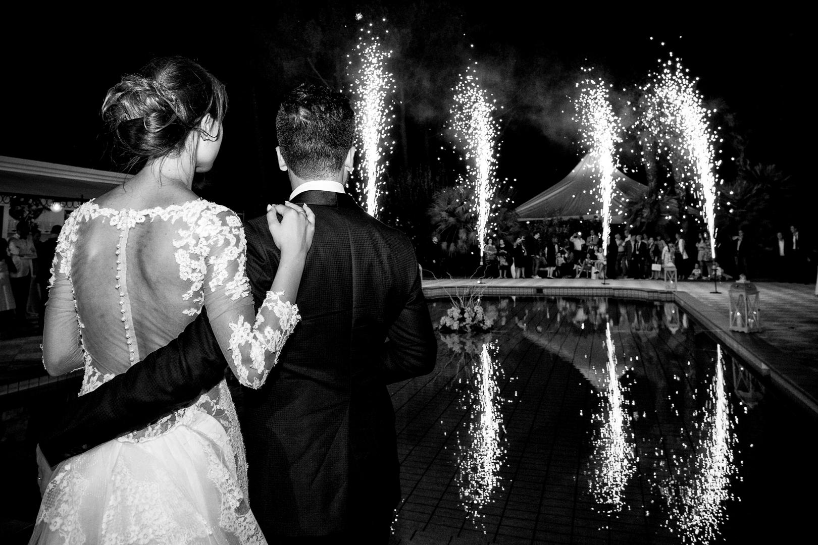 36 gianni-lepore-fuochi-artificio-bordo-piscina-matrimonio