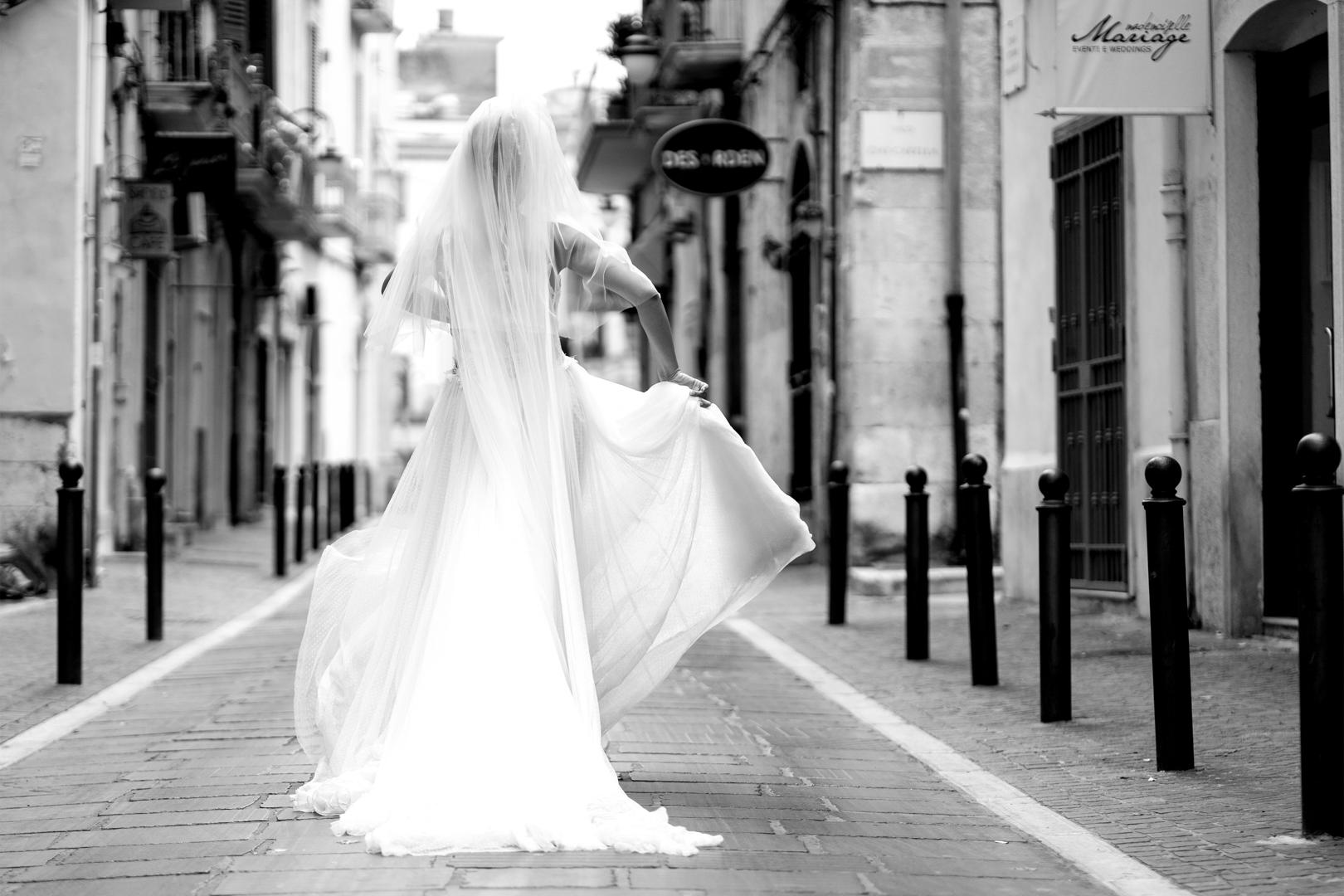 37 gianni-lepore-sposa-ritratto-dietro-centro-storico