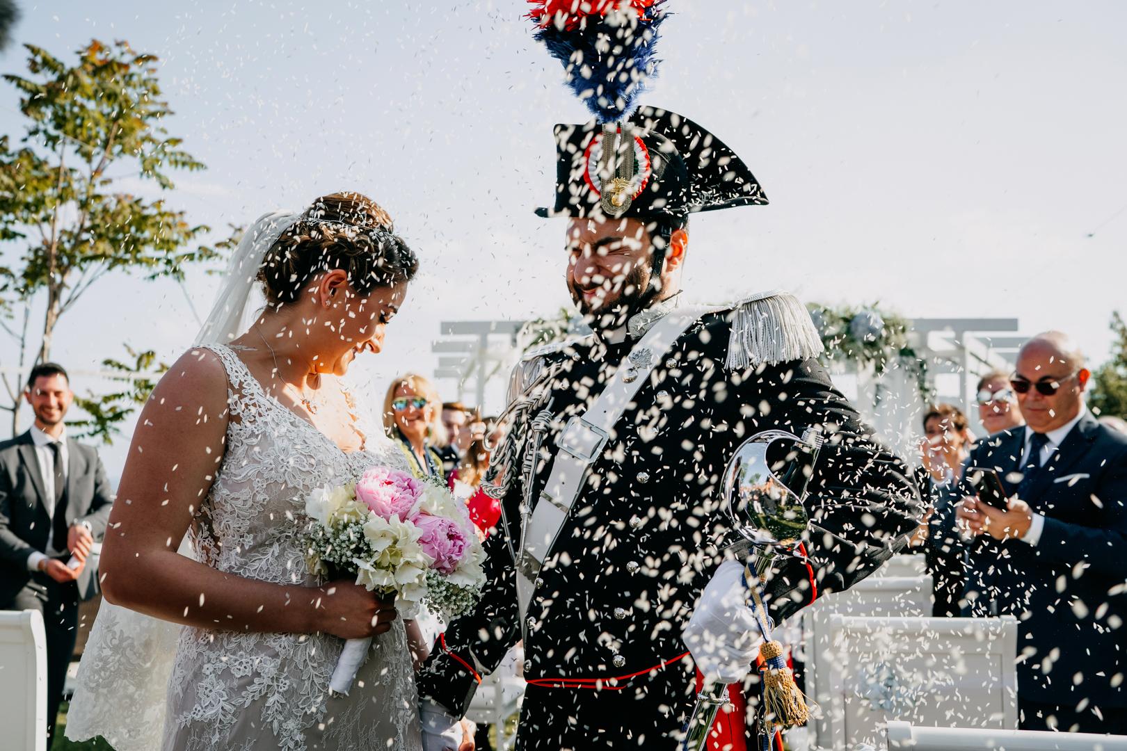 37 lancio-riso-matrimonio-mare-all'aperto-gianni-lepore-fotografo