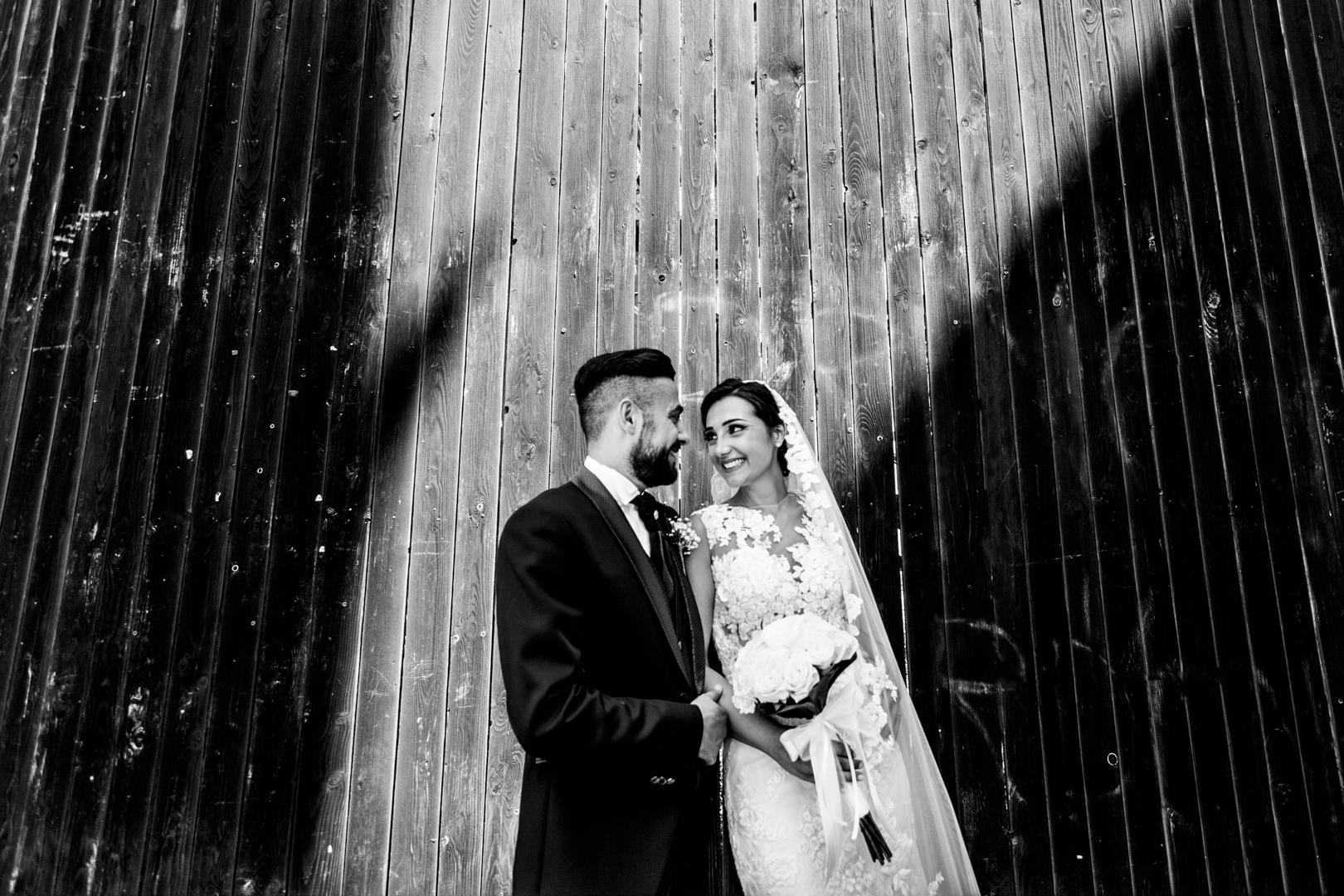 40 gianni-lepore-matrimonio-lucera-shooting-groom-bride-sposi-piazza-duomo