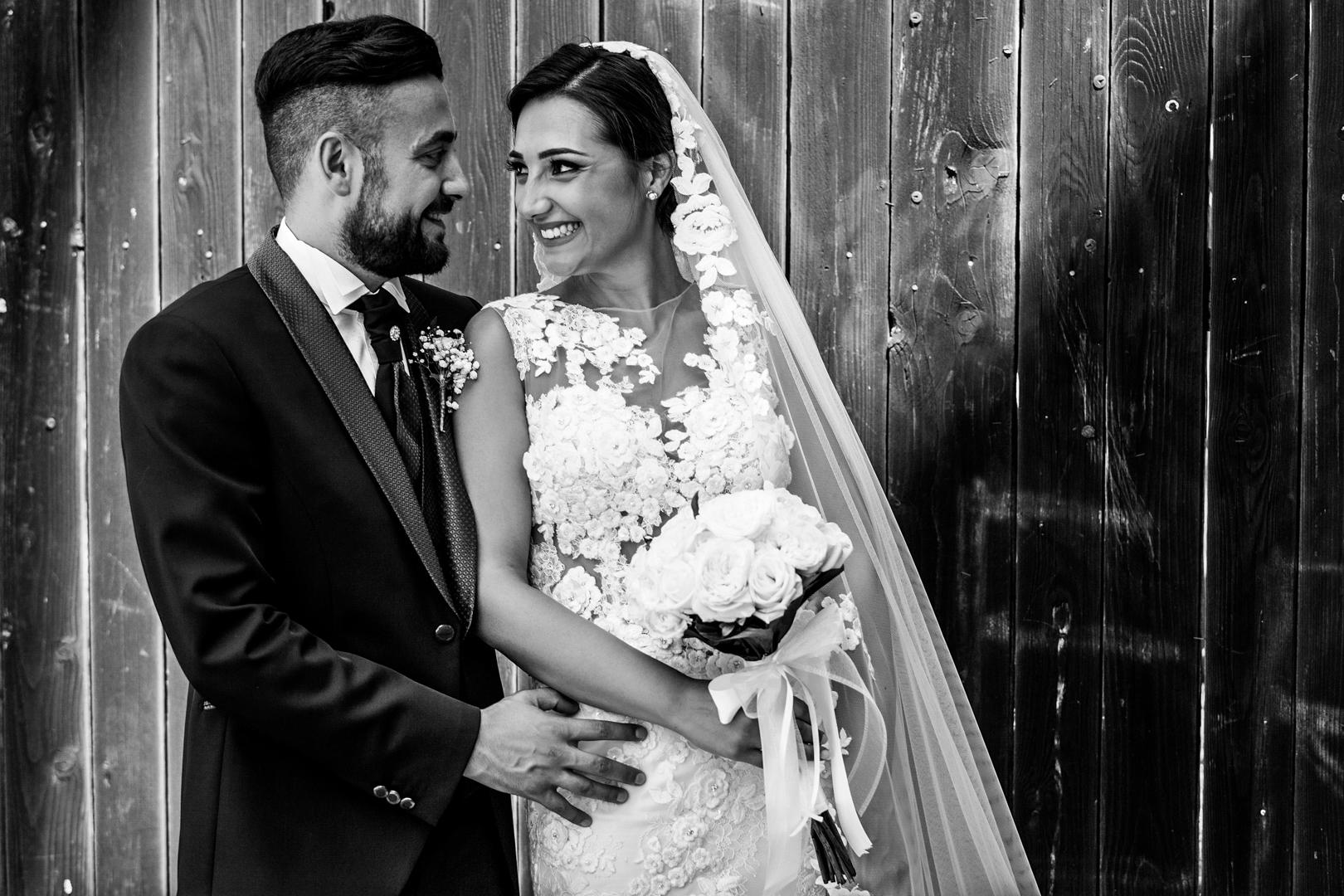41 gianni-lepore-piazza-duomo-lucera-foto-bianco-nero-sposi-matrimonio-wedding