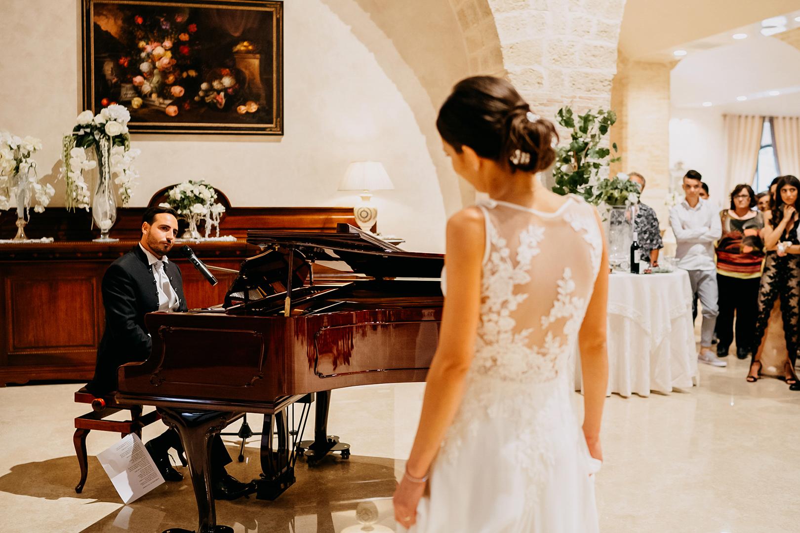47 gianni-lepore-sposa-dedica-canzone