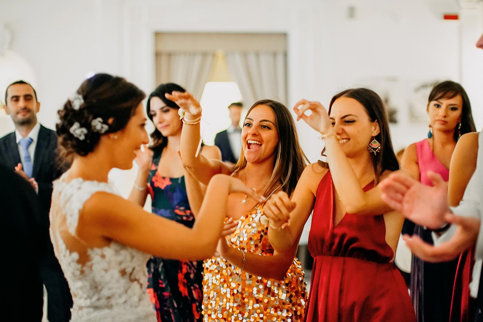 54 .gianni-lepore-sposa-bride-balli-dance-amicijpg