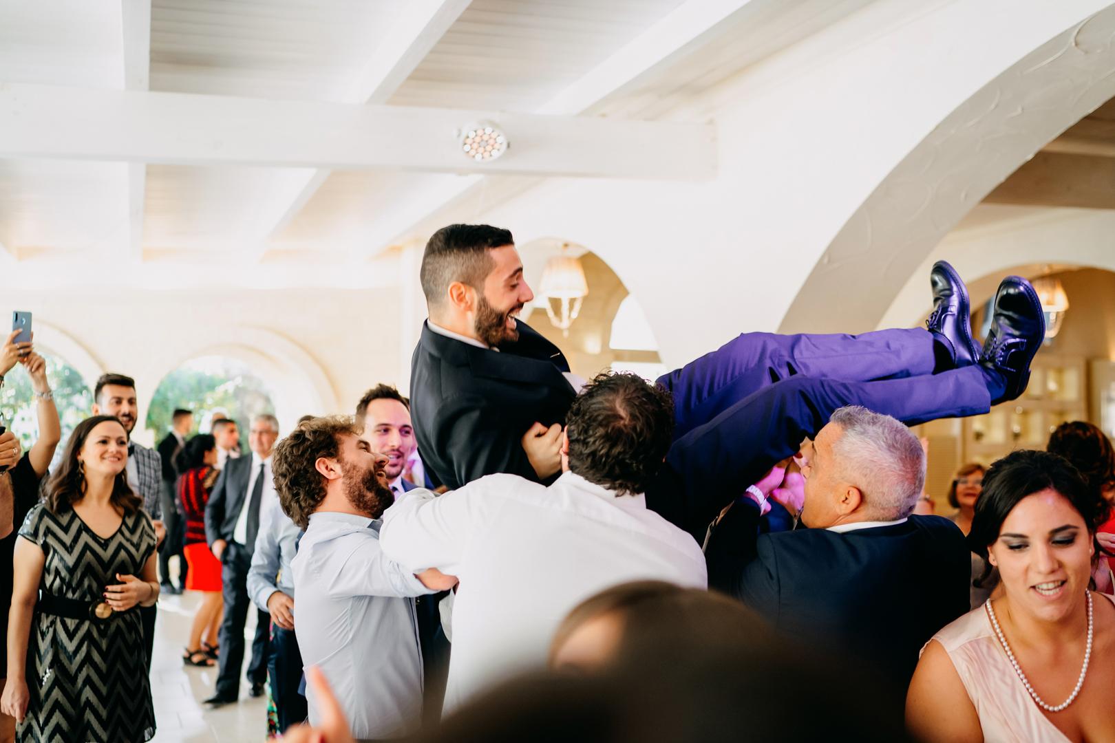 56 gianni-lepore-lancio-sposo