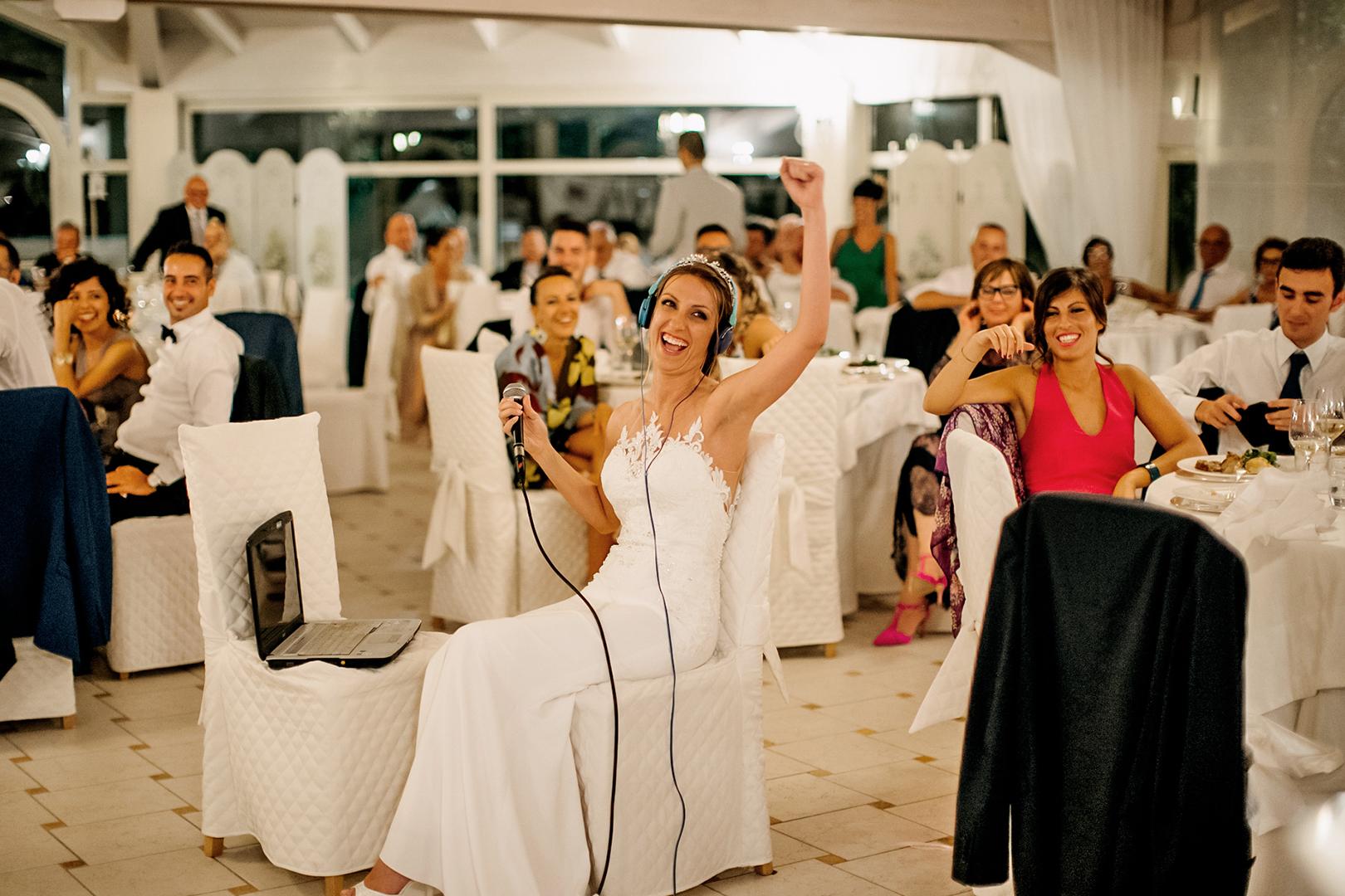 62 gianni-lepore-fotografo-matrimonio-sposa-bride-giochi-sala-villa-rossi-silvi