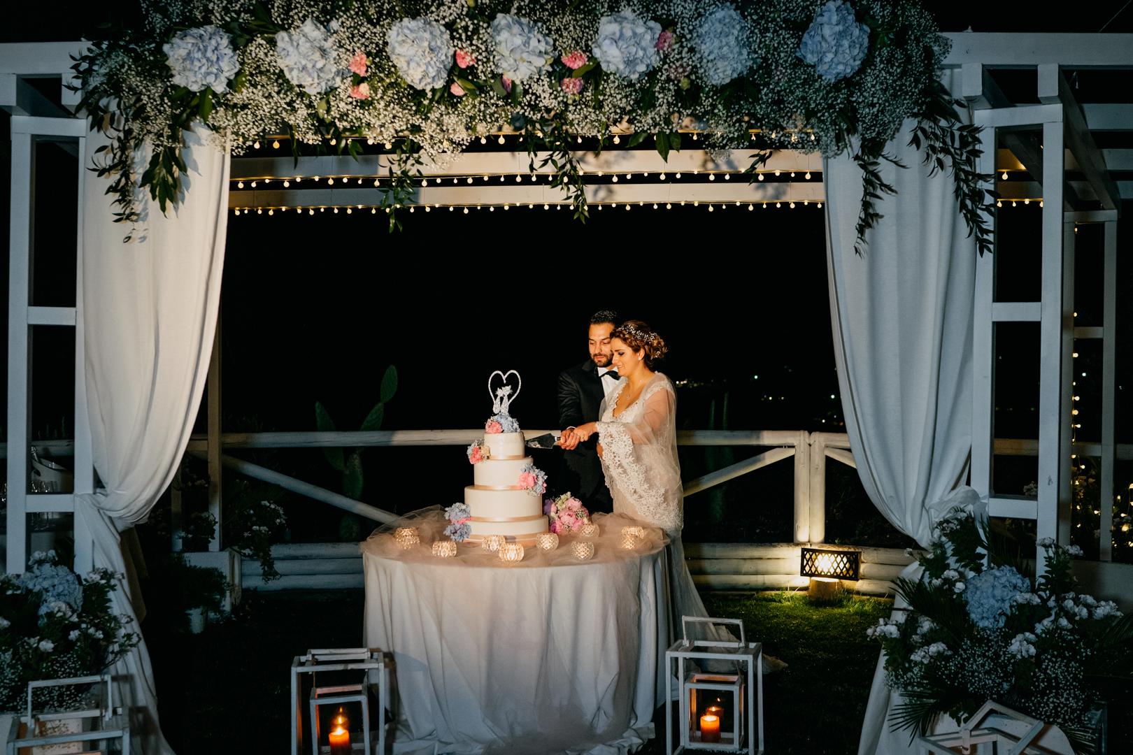 62 residence-il-porto-mattinata-wedding-cake-taglio-torta-nunziale-gianni-lepore