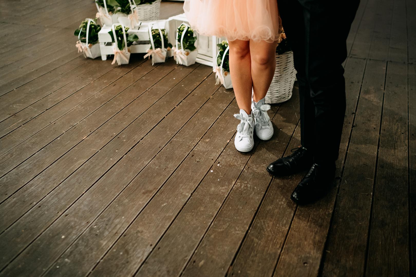 66 wedding-cambio-abito-scarpe-converse-sposa-bride-mare-gianni-lepore