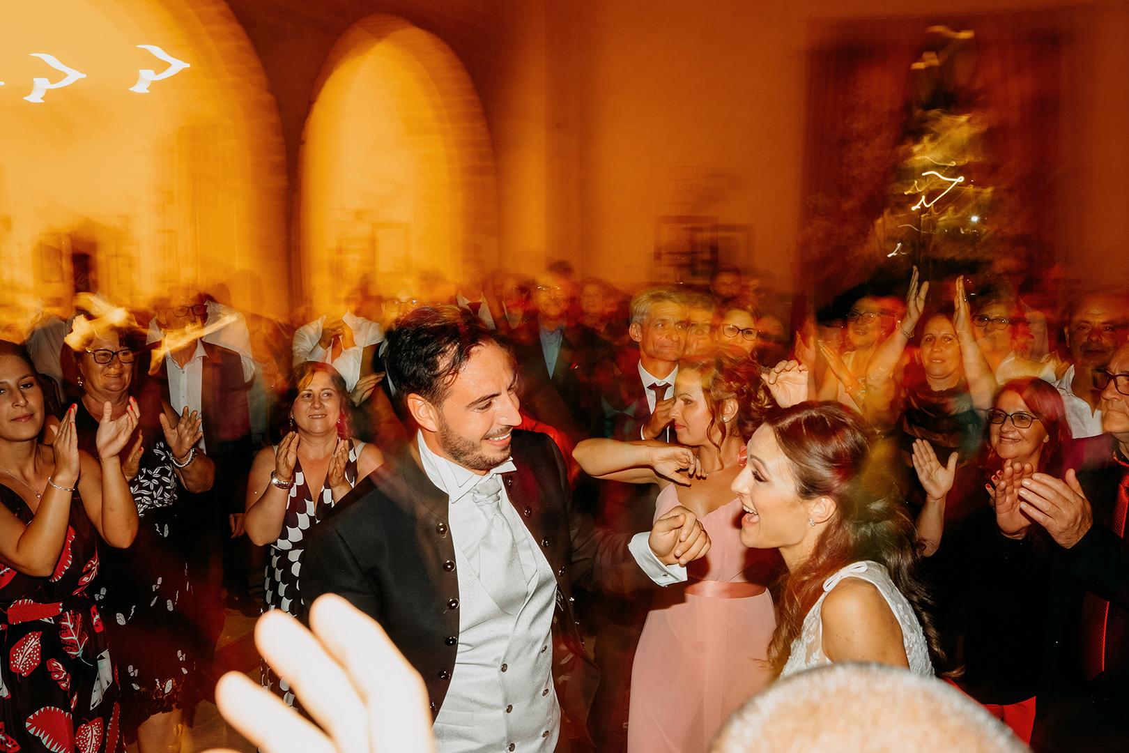 69 gianni-lepore-balli-amici-sposi