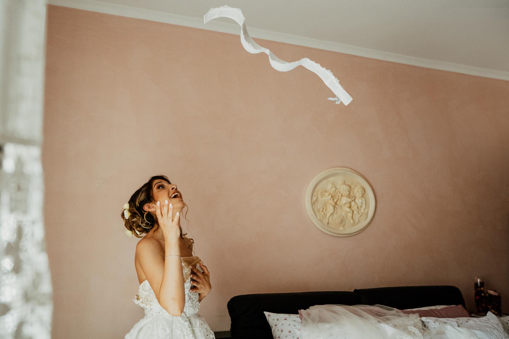 7 gianni-lepore-bride-reggiseno