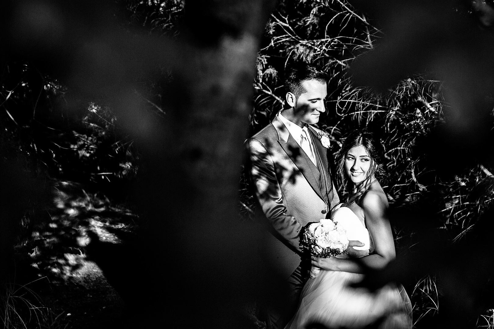 71 gianni-lepore-wedding-bianco-nero-torre-andriana-foto-sposi-bride-groom